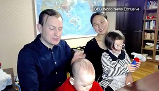 Robert kelly viral entrevista bbc