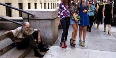 Relacionada indigente y fashionistas ricas