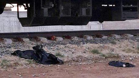 Madre se suicida con sus hijos en vías de tren en Chihuahua