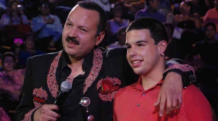 Pepe Aguilar no será alcahuete de su hijo