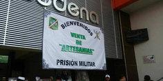 Relacionada a trave s de redes soldados prisioneros venden productos para subsistir
