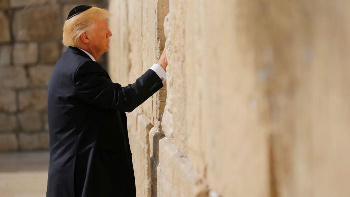 Reitera presidente palestino compromiso con proceso de paz