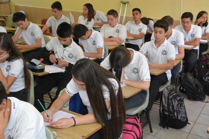 Realizan más de 26 mil estudiantes el examen PLANEA