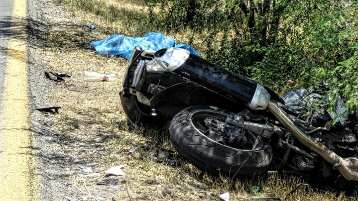 Muere agente de Vialidad tras marcar el alto a camioneta