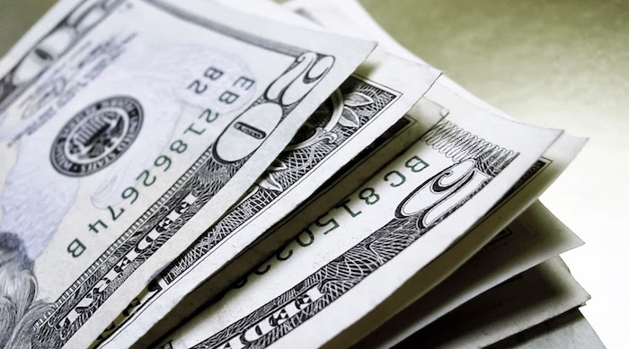 Dólar interbancario cae a 17.82 pesos — MÉXICO