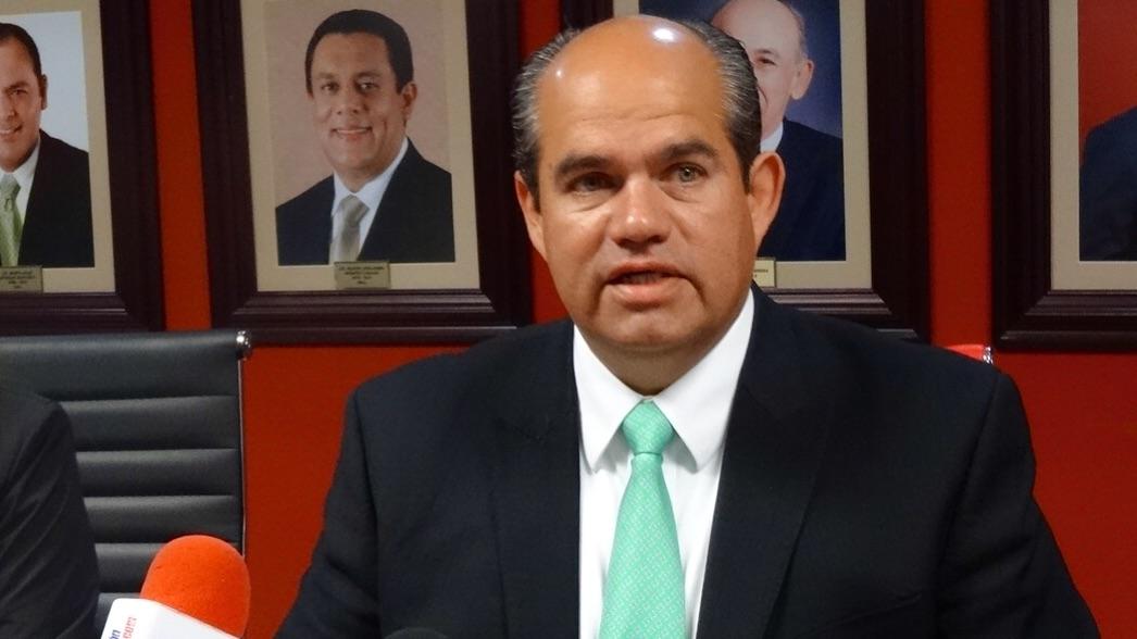 Suspenden licencia de notario a líder del PRI en Chihuahua