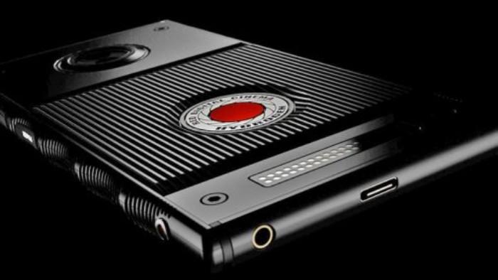RED lanza el primer smartphone con pantalla holográfica