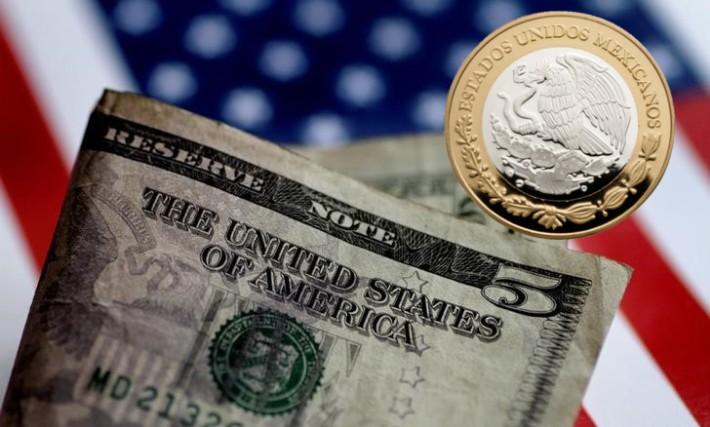 Dólar al menudeo por debajo de $18