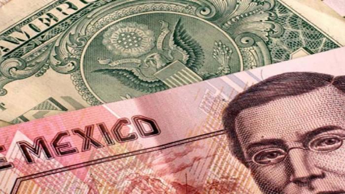 Dolar cierra la semana a la alza, se vende en 17.90 pesos