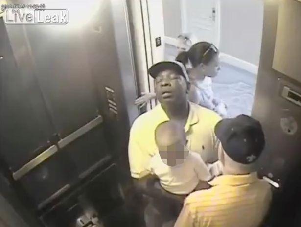 Pareja utiliza a su bebé para robar dentro de un elevador