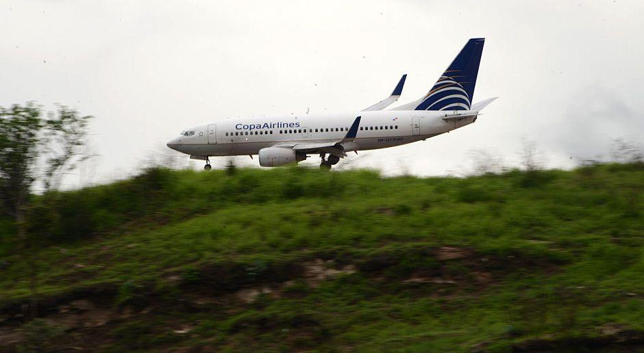 Caos en aeropuerto de san francisco joven salt de un for Puerta 6 aeropuerto ciudad mexico
