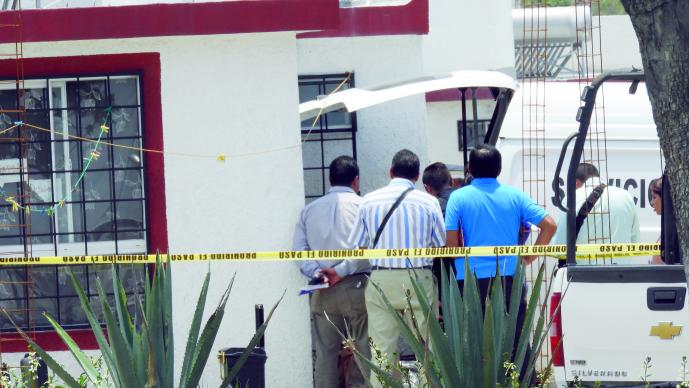Por engaño, mujer asesina a sus hijos y se suicida en Querétaro