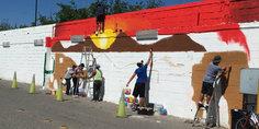 Relacionada pintan mural afuera de fiscalia jo venes infractores