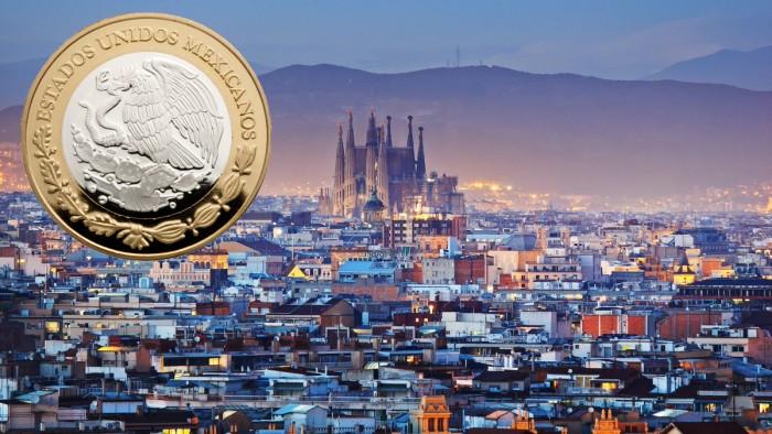 TLCAN y atentado en Barcelona afectan al peso; dólar sube