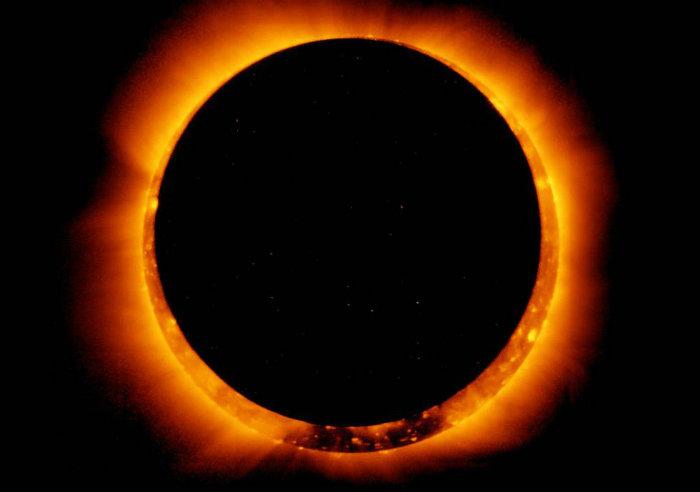 Sigue aqui  la transmisio n en vivo del eclipse solar