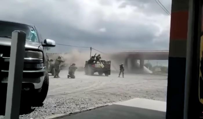 Balacera entre sicarios y militares en Tamaulipas — Impresionante video