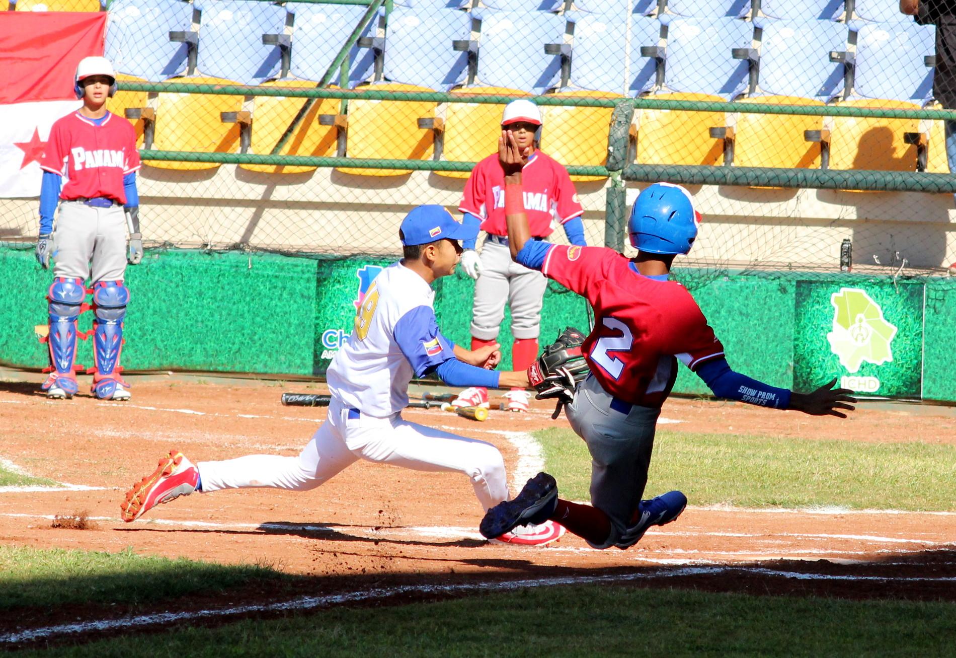 Panamá no tuvo compasión de Argentina en el Panamericano de Béisbol sub14