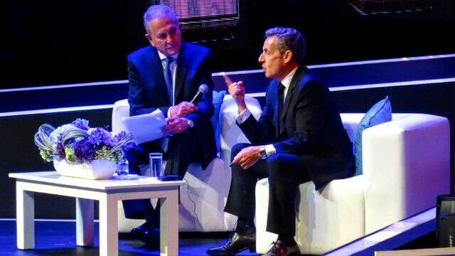 Anular el TLC sería una locura.- Sarkozy