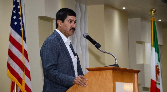 Gobernadores fronterizos reprochan excluir recursos para migrantes