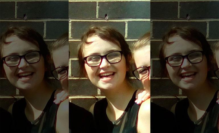 Joven británica muere tras comerse el cabello