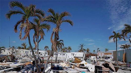 El centro del huracán María sale de Puerto Rico