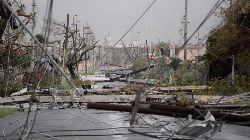 Huracán María recobra categoría 3 cerca de República Dominicana