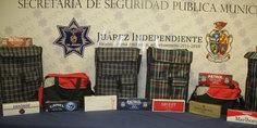 Relacionada polici as municipales detienen a un hombre y  una mujer en posesio n de 121 paquetes de cigarrillos de procedencia ilegal