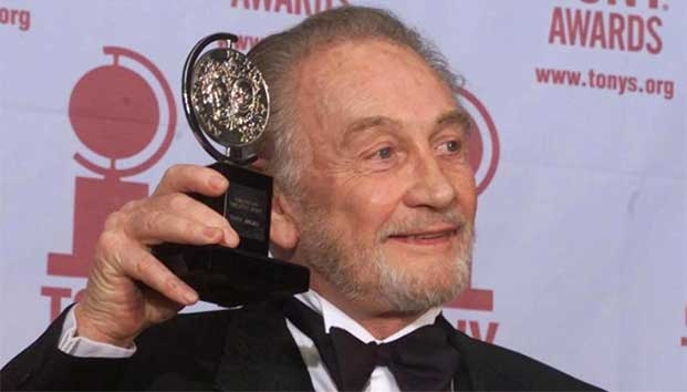 Murió a los 94 años Roy Dotrice actor de Games of Thrones