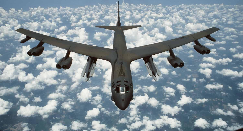 EEUU pone bombarderos nucleares en alerta — Preparado para guerra