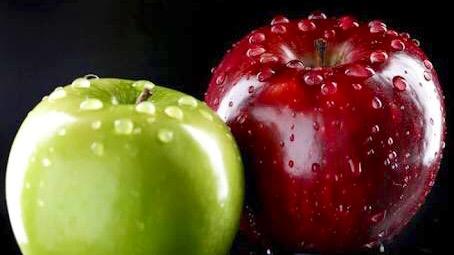 ¿Cómo se debe lavar las manzanas antes de comerlas?