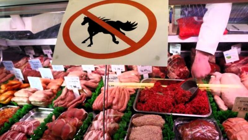 Venden carne de caballo por res