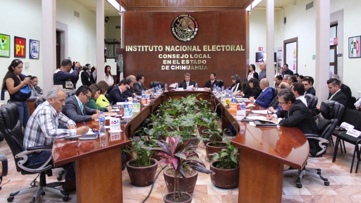 Contrata INE consejeros distritales electorales