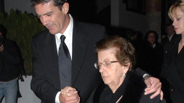 Muere mamá de Antonio Banderas