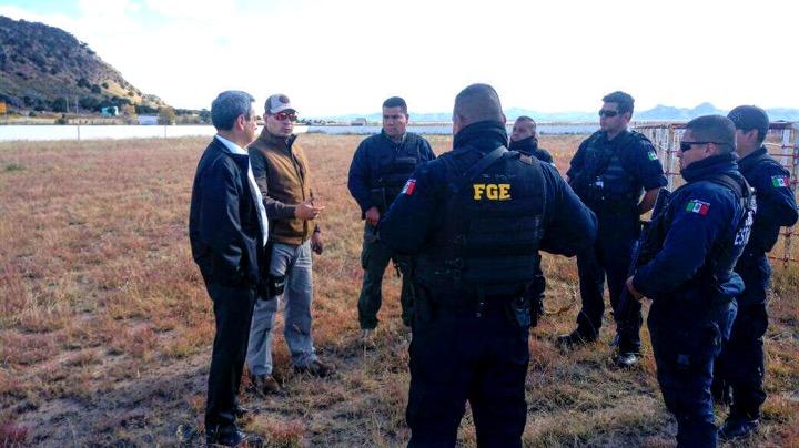 Grupo armado toma municipio en Chihuahua; queman casas y secuestran médico