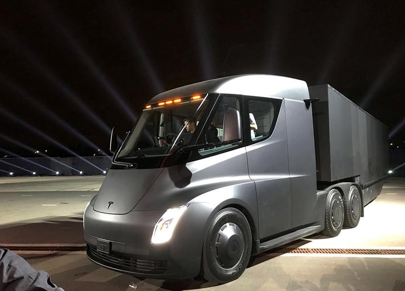 Pepsi compra 100 camiones eléctricos Tesla