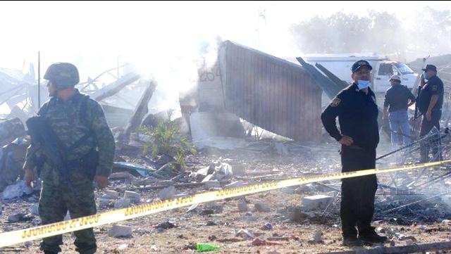 Deja 2 muertos explosión de polvorín en Edomex