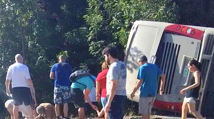 Fiscalía avanza en investigación de accidente carretero en Mahahual