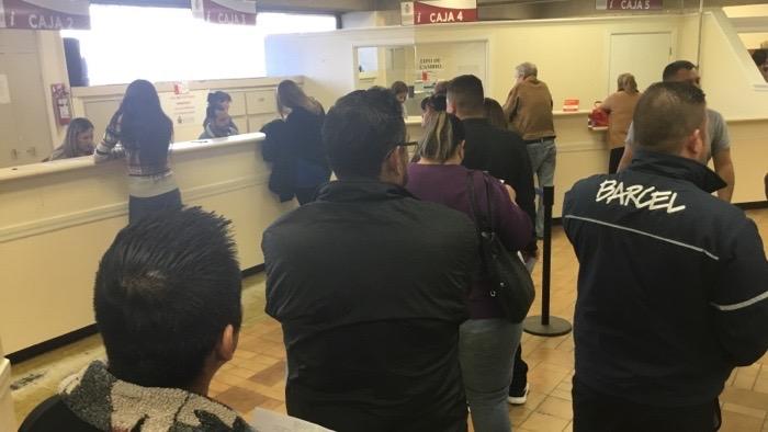 Acuden a pagar el impuesto Predial 2018 en Torreón
