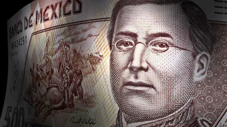 Dólar sigue en bajada lenta y ya cuesta esto — Peso aprovecha