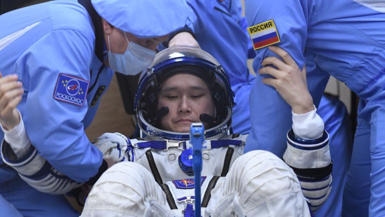 Astronauta crece 9 centímetros en el espacio