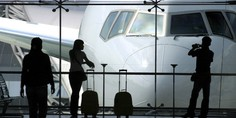 Relacionada esperando avion