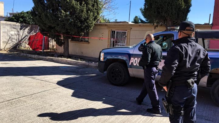 Encuentran cinco osamentas en fosas en Chihuahua