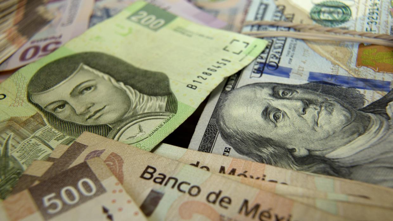 Dólar cierra a 18.7880 unidades; Peso avanzó 7 centavos