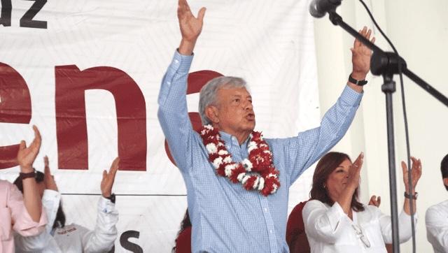 Ponchan llantas de López Obrador tras evento en Chiapas