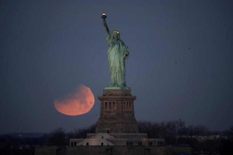 Super luna eclipse 5