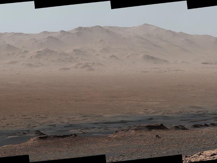 Así se ve un cráter de Marte en una foto panorámica