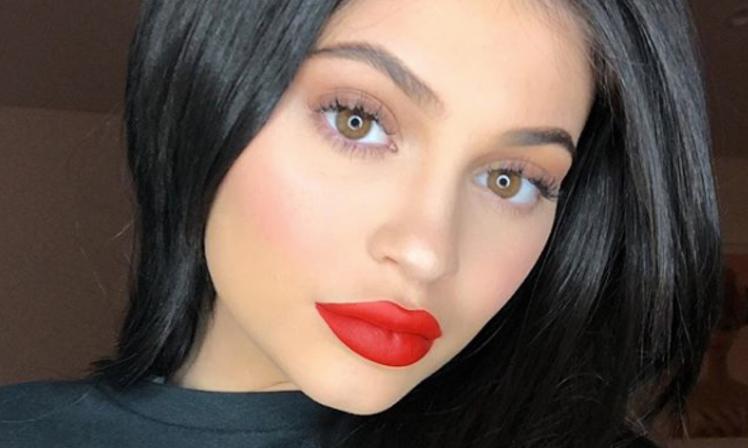 Kylie jenner anuncio  que su hija ya nacio