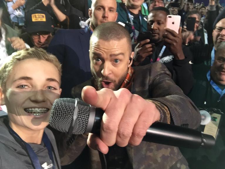 Justin Timberlake usó 'sin permiso' holograma de Prince