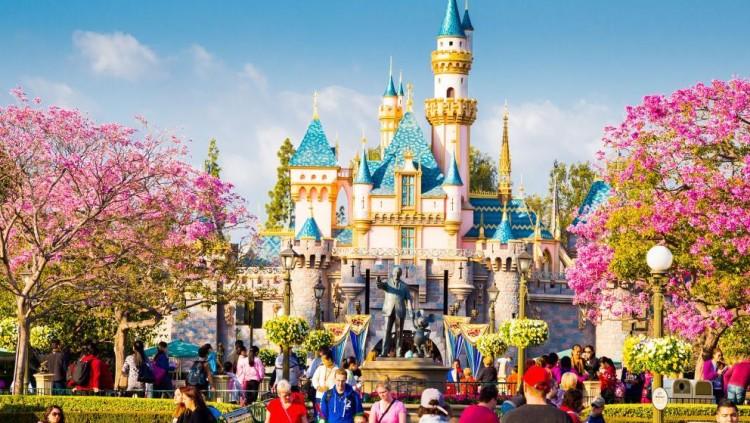 Anuncian incremento en precios de entrada a Disneyland