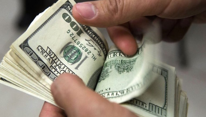 Tras tocar los $ 20,30, el dólar finalizó estable a $ 20,17